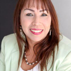 Karelys-Gomez-Marcano-Coach-Medicina-Natural-Autora-del-Libro-El-Milagro-de-las-Medicinas-Naturales-y-los-Alimentos